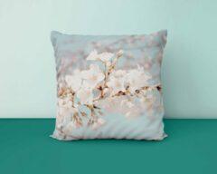 Blauwe ByCristianne Sierkussen - Witte bloesem - Natuur - 60 x 60 cm