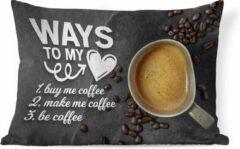 PillowMonkey Sierkussen Koffie Quotes 2 voor binnen - Koffie quote 'Ways to my heart' tegen een achtergrond met een kop koffie en koffiebonen - 60x40 cm - rechthoekig binnenkussen van katoen