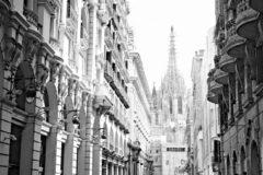 JJ-Art Het centrum van Barcelona met de kathedraal in Spanje in zwart wit, Nederland in schilderij look | stad, modern, sfeer | Foto schilderij print op Canvas (canvas wanddecoratie) | KIES JE MAAT