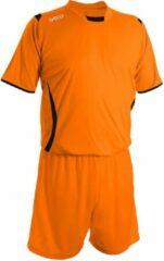 Geco Sportswear Voetbaltenue kinderen en volwassenen (Voetbalshirt Levante inclusief voetbalbroek en voetbalkousen.) in de kleur oranje - zwart. Maat: S
