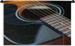 1001Tapestries Wandkleed Akoestische gitaar - Mooie zwart met bruine akoestische gitaar Wandkleed katoen 120x80 cm - Wandtapijt met foto