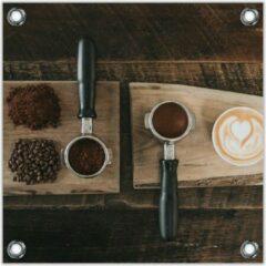 Bruine KuijsFotoprint Tuinposter –Gemalen Koffiebonen en Koffie op een Plankje– 100x100 Foto op Tuinposter (wanddecoratie voor buiten en binnen)