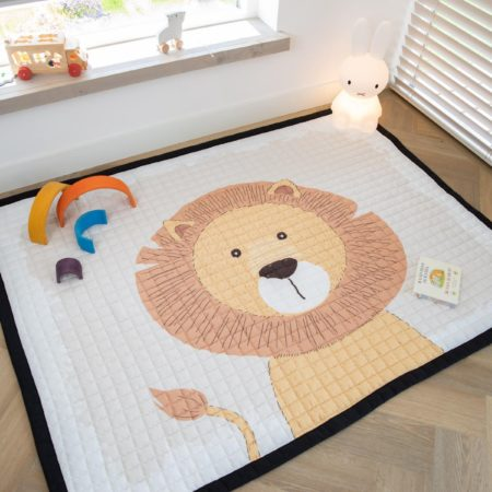 Afbeelding van Love by Lily .com Love by Lily - groot speelkleed - Mr. Chairman Lion - 200x150cm
