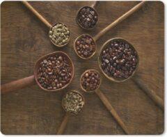 MousePadParadise Muismat Koffieboon - Houten lepels met koffiebonen op een bruine achtergrond muismat rubber - 23x19 cm - Muismat met foto
