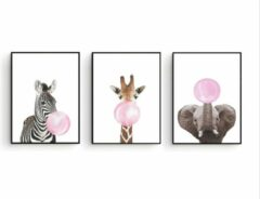 Postercity.nl Postercity - Design Canvas Poster Set Zebra Giraffe & Olifant met Roze Kauwgom / Kinderkamer / Babykamer - Kinderposter / Babyshower Cadeau / Muurdecoratie / 40 x 30cm / A3