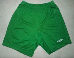 Umbro groene sportbroek maat 158