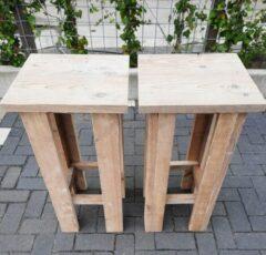 Grijze KSM-Steigerhout 2 stuks barkruk Easy van Gebruikt steigerhout, voor bij een bar tafel / sta tafel