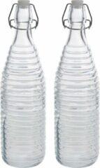 Zeller 2x Glazen flessen transparant strepen met beugeldop 1000 ml - Keukenbenodigdheden - Woondecoratie - Tafel dekken - Koude dranken serveren/bewaren - Olie/azijn flessen - Decoratie flessen