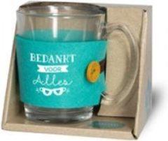 """Turquoise Snoepkado.com Theeglas -Bedankt voor alles - Gevuld met verpakte toffees - Voorzien van een zijden lint met de tekst """"Speciaal voor jou"""" In cadeauverpakking met gekleurd lint"""