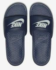 Marineblauwe Nike Benassi badslippers