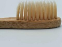 Witte Bamboe Tandenborstel – Beige - Milieuvriendelijk – Recyclebaar - oDaani