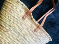Naturelkleurige Shopper - boodschappentas - riet met LEREN schouderbanden - Duurzaam - Pepitamia.NL