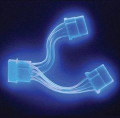 Blauwe Akasa Power Splitter UV Blue