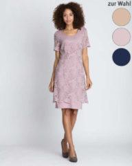 Couture Line Spitzenkleid mit Flügelärmeln