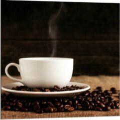 Beige KuijsFotoprint Dibond - Kopje Koffie met Koffiebonen - 80x80cm Foto op Aluminium (Met Ophangsysteem)