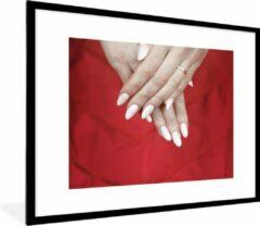PosterMonkey Foto in lijst - Witte nagellak fotolijst zwart met witte passe partout 60x80 80x60 cm - Poster in lijst (Wanddecoratie woonkamer / slaapkamer)