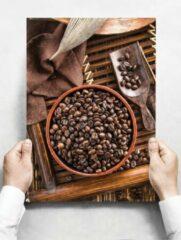 Witte Creatief Art Wandbord: Koffiebonen in een houten mand met een bonenschep - 30 x 42 cm