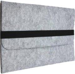 Shop4 - MacBook Pro 13-inch (2016-2018) Hoes - Sleeve Wolvilt Licht Grijs