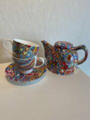 Paarse Alperstein Designs - theeset - porselein -Judy Napangardi Watson - Aboriginal collectie - geschenkverpakking