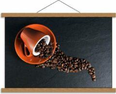 Oranje KuijsFotoprint Schoolplaat – Koffiekop met omgevallen Koffiebonen - 60x40cm Foto op Textielposter (Wanddecoratie op Schoolplaat)