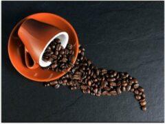 Oranje KuijsFotoprint Poster – Koffiekop met omgevallen Koffiebonen - 40x30cm Foto op Posterpapier