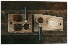 Beige KuijsFotoprint Dibond - Gemalen Koffiebonen en Koffie op een Plankje - 60x40cm Foto op Aluminium (Met Ophangsysteem)