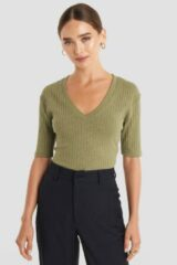Groene NA-KD Trend Light Knit V Front Sweater - Green