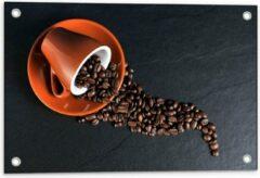 Oranje KuijsFotoprint Tuinposter – Koffiekop met omgevallen Koffiebonen - 60x40cm Foto op Tuinposter (wanddecoratie voor buiten en binnen)