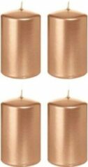 Roze Trend Candles 4x Rosegouden cilinderkaarsen/stompkaarsen 5 x 8 cm 18 branduren - Geurloze rose goudkleurige kaarsen – Woondecoraties