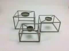 Licht-grijze CottonCounts Theelicht waxinelicht set van drie lichtgrijs 15x15x10/14x14x8/12x12x6 cm