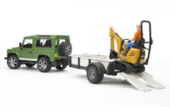 Groene Bruder 02593 - Land Rover Defender Station Wagon met eenassige aanhanger, JCB Micrograafmachine 8010 CTS en constructiemedewerker - Speelset