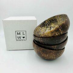 Gouden My Life, My Way MLMW - Kokosnoot Kom Oosters Zwart - Coconut Bowl Oriental Black - 650 ML - Handgemaakt - Uniek - Duurzaam - 100% Natuurlijk - Set van 4 - geschikt voor smoothie bowls, yoghurt, snacks en salades.