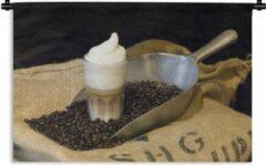 1001Tapestries Wandkleed Latte macchiato - Latte macchiato met koffiebonen Wandkleed katoen 120x80 cm - Wandtapijt met foto