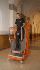 Oranje Lockhard Hoogwerker Compact Uplift 5 werkhoogte 5 meter.