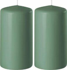Enlightening Candles 2x Groene cilinderkaarsen/stompkaarsen 6 x 15 cm 58 branduren - Geurloze kaarsen groen - Woondecoraties