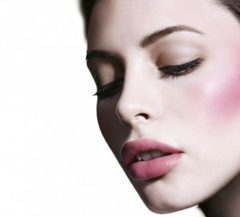 Huidskleurige Maybelline Face Studio Master Heat Blush poeder - 100 Peach Pop