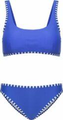 La V Bikini classic style - Blauwe strepen 128-134