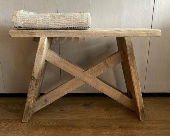 Afbeelding van VNLR Steigerhouten kruk - bankje - gebruikt hout, steigerhout