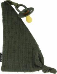 Donkergroene Louka speendoekje driehoek broderie legergroen - jongen - meisje - groen - hydrofiel katoen - speenknuffel - excl. bibs speen