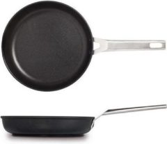 Zwarte Koekenpan 22 cm, Aire - Valira