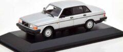 Zilveren Maxichamps Volvo 240GL 1986 Silver Metallic