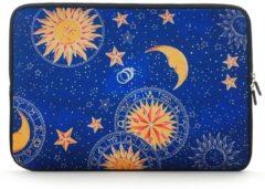 Blauwe Misstella Laptop Sleeve met maan en sterren tot 14 inch Blauw/Geel