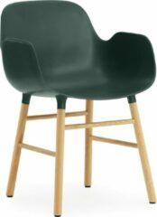 Groene Normann Copenhagen Form Armchair stoel met eiken onderstel