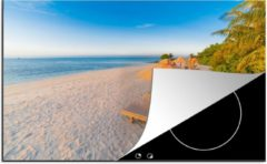 Blauwe KitchenYeah Luxe inductie beschermer Caraiben - 78x52 cm - Caribisch strand met strandstoel - afdekplaat voor kookplaat - 3mm dik inductie bescherming - inductiebeschermer