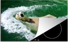 Bruine KitchenYeah Luxe inductie beschermer Zwemmende Beer - 80x52 cm - Ijsbeer op zijn rug in het water - afdekplaat voor kookplaat - 3mm dik inductie bescherming - inductiebeschermer