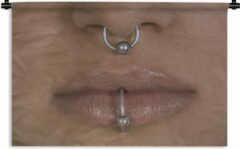 1001Tapestries Wandkleed Piercing - Neus en mondpiercing van een vrouw Wandkleed katoen 60x40 cm - Wandtapijt met foto