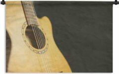 1001Tapestries Wandkleed Akoestische gitaar - Half zijaanzicht van een akoestische gitaar Wandkleed katoen 180x120 cm - Wandtapijt met foto XXL / Groot formaat!