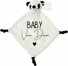 Witte Livingstickers Knuffeldoekje panda met achternaam-persoonlijk kraamcadeau