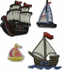 Blauwe Akyol Stoere kinderdromen patch set met Piratenschepen en Zeilboten (4) | Stof & Strijk applicatie | Strijk embleem