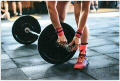 Roze KuijsFotoprint Poster – Fitness Gewichtheffen - 60x40cm Foto op Posterpapier